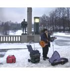Groupe electrogene HONDA EU10i 230V - 1000 VA / 50 Hz + 12 V - 8 A - inverter - Musicien dans la neige - Videoson.eu